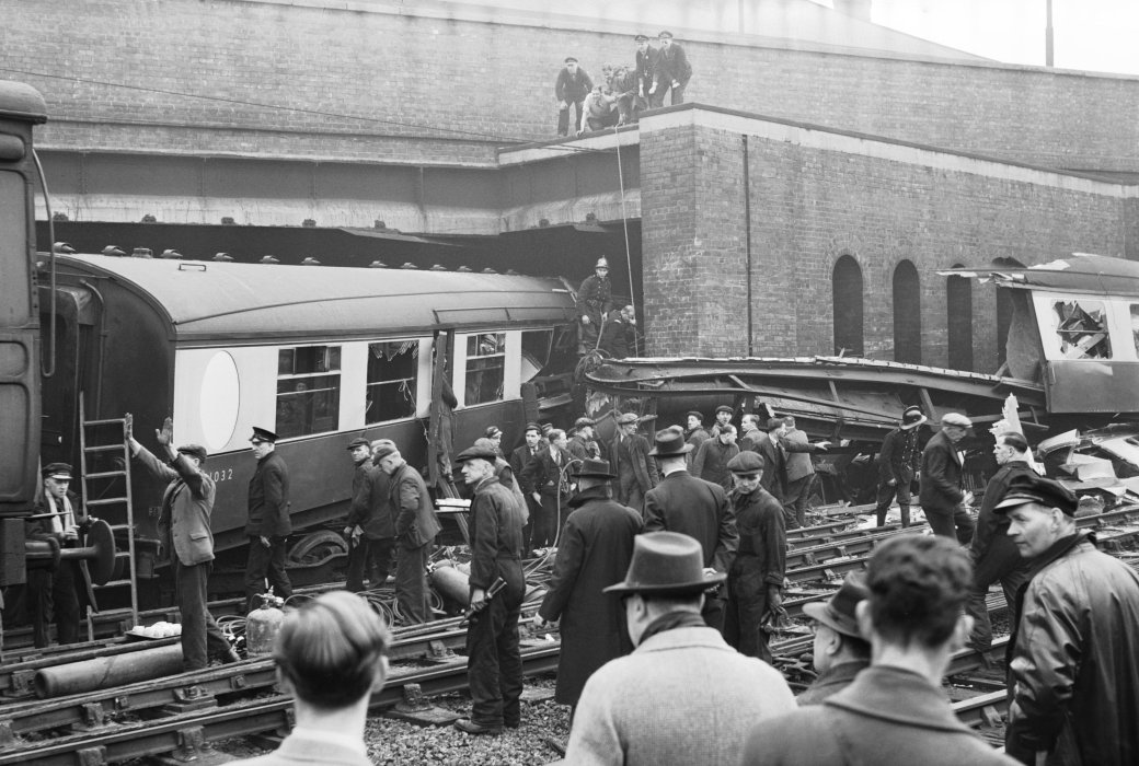 Passenger train crash, Balby Bridge, 1947