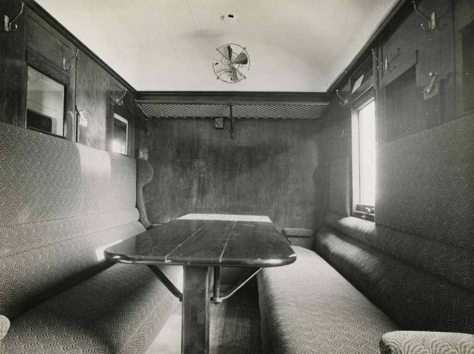 Sitting compartment for injured officers on an ambulance train, First World War