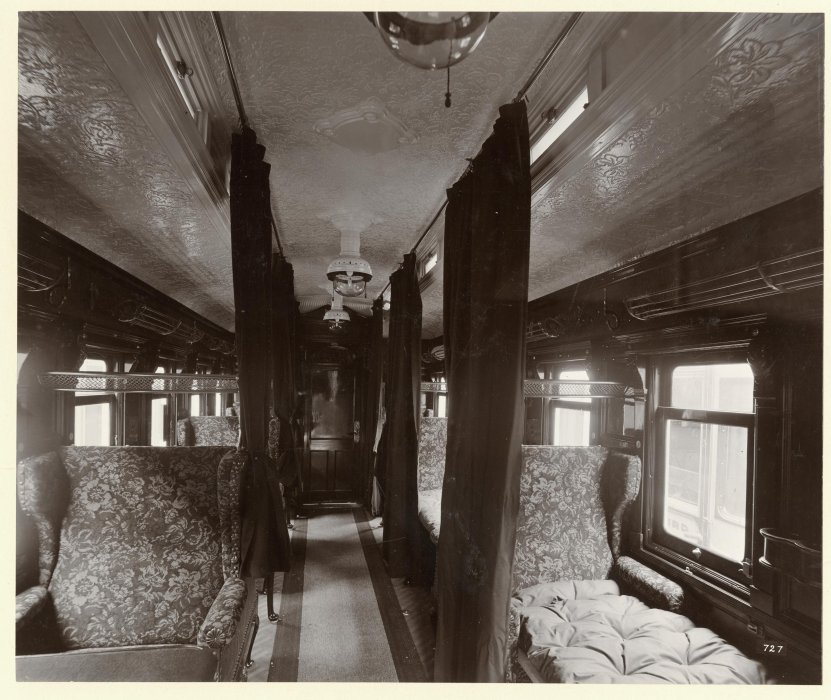 Photograph of a sleeping car for doctors on a First World War ambulance train